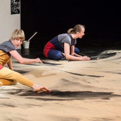 Ślady przedstawienie dla dzieci Teatr Atofri