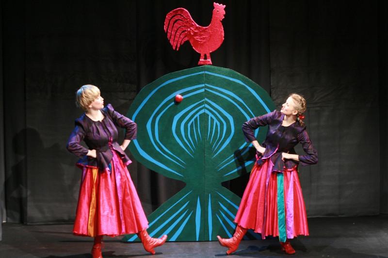 01 Jabłonka spektakl Teatr Atofri