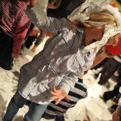 09 pan satie Papier-statek-kapelusz warsztaty dla dzieci Teatr Atofri