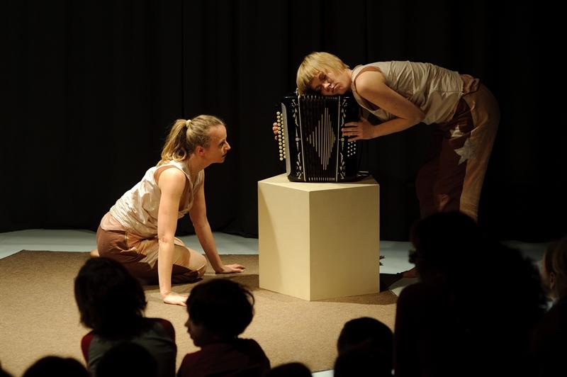Lulajka Teatr Atofri