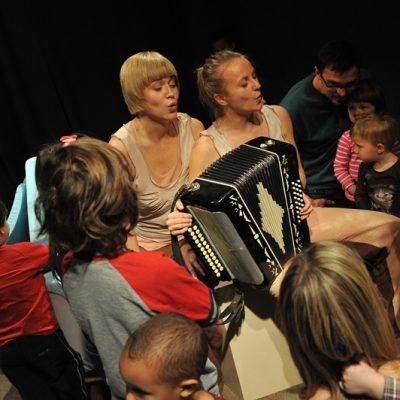 Teatr dla dzieci Poznań przedstawienie kołysankowe